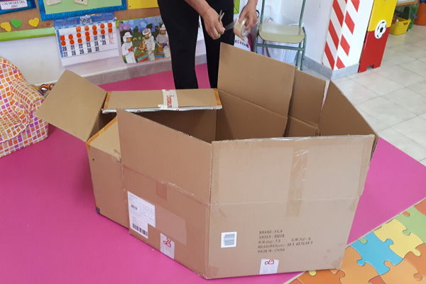 Materiales para hacer una casa de cartón